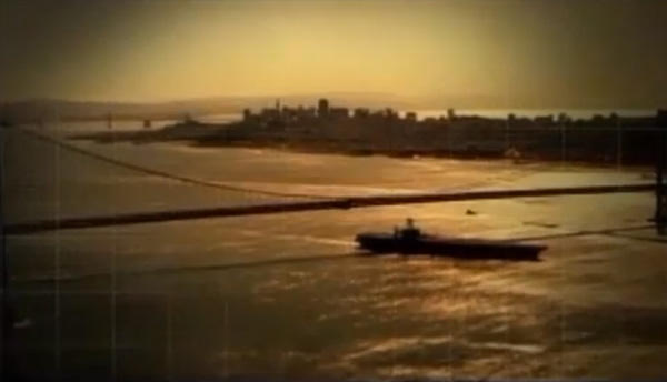 Az első néhány szezon nyitójelenetében a Golden Gate Bridge alatt elhúzó anyahajót láthatunk. Ez valójában a The Presidio című sorozatból való, amelyben Mark Harmon szerepelt egy San Francisco-i zsaruként.