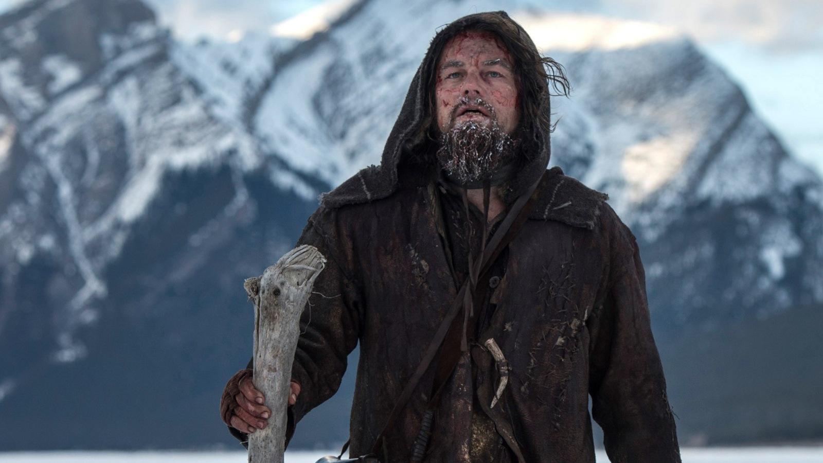 """Az Oscar-esélyes A visszatérő főhősének rengeteg megpróbáltatást kellett kiállnia és nagyfokú fájdalmat átélnie - de nem ő az egyetlen szereplő és nem ez az egyetlen film, ahol jellegzetesen sok a szenvedés. Összeszedtünk néhány kifejezetten jól sikerült alkotást, amikre szintén ráillik a mostanság divatos """"fájdalompornó"""" kifejezés. Ha tetszett A visszatérő, nézd meg ezeket is! (20th Century Fox)"""