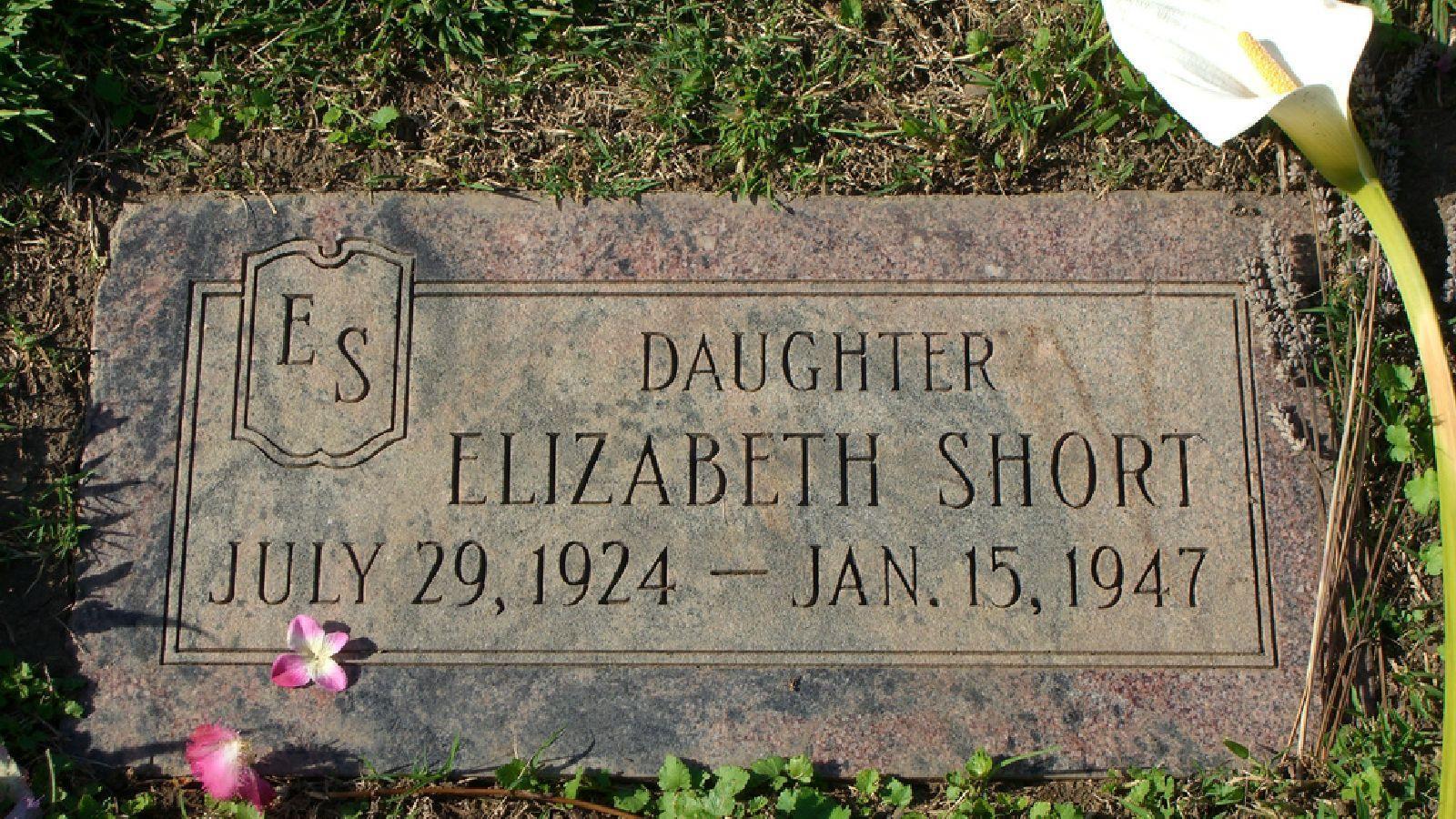 Fekete Dália néven vált ismertté Elizabeth Short, aki az amerikai kriminalisztika egyik leghíresebb gyilkosságának áldozata volt. Testét félbevágva, megcsonkítva találták meg egy Los Angeles-i parkban. A bűneset nagy médianyilvánosságot kapott, a lapok szenzációt keltő módon számoltak be a lány haláláról. Bár több tucat ember került feltételezett gyanúsítottként a rendőrség látókörébe, az elkövetőt nem találták meg. Számos elmélet született a máig megoldatlan gyilkosságról. (Wikipedia)