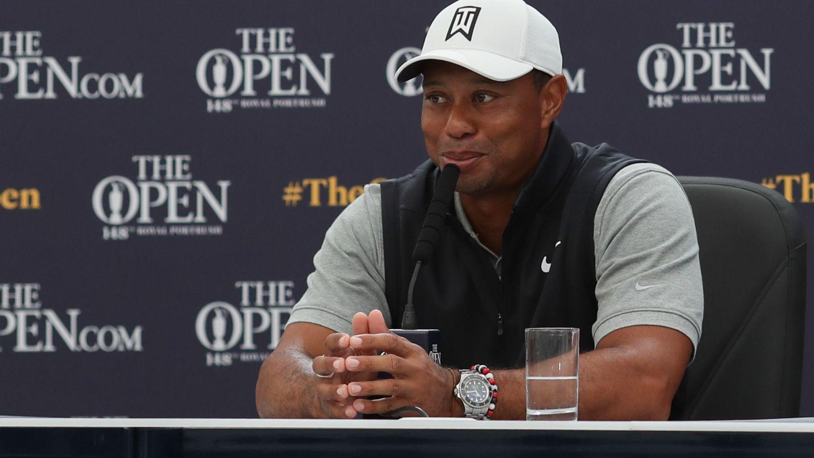 Ugyan Tiger Woods talán a legismertebb, egyúttal minden idők egyik legjobb golfjátékosa, a hírekbe nemcsak a pontos ütéseivel került be, hanem kicsapongó életvitelével is. A szexuális kilengései mellett ő is rabja lett a szerencsejátékoknak. Az egyik szeretője szerint egy-egy blackjack körben 25 ezer dollár volt a tét. Mivel köztudott volt, hogy szeret nagy tétekben játszani, Las Vegas-ban egymillió dolláros felső limitet kapott. (Dave Shopland/BPI/Shutterstock)