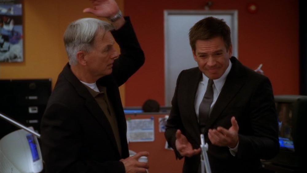 Gibbs megfopozza DiNozzót. (CBS)