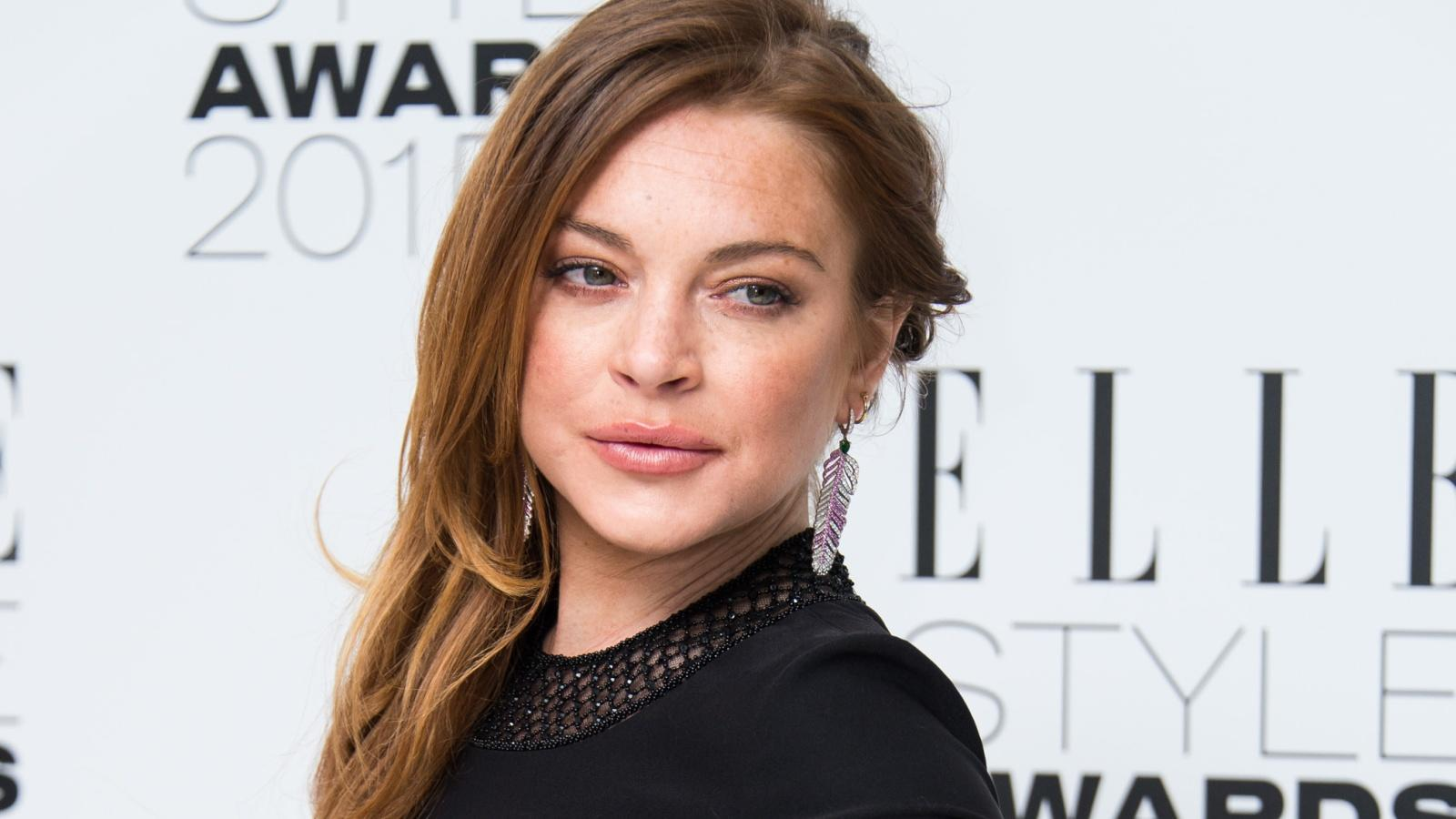 Lindsay aliasa ugyanaz, mint amit a Facebook oldalán használt: Bella Lovelace, amivel a híres pornós, Linda Lovelace nagysága előtt adózik. Egyszer Lindsay is majdnem eljátszotta őt, de aztán lecserélték...