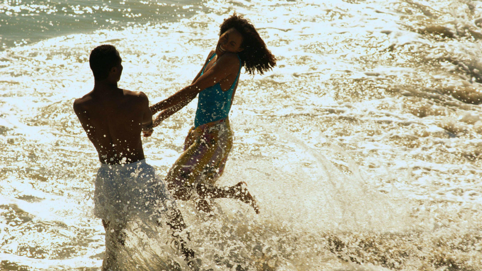 Nyáron, állandósul az izgalom, hisz mindennapossá válik a bikiniben strandoló nők látványa, emiatt nehezebb fenntartani a szexuális vágyat.