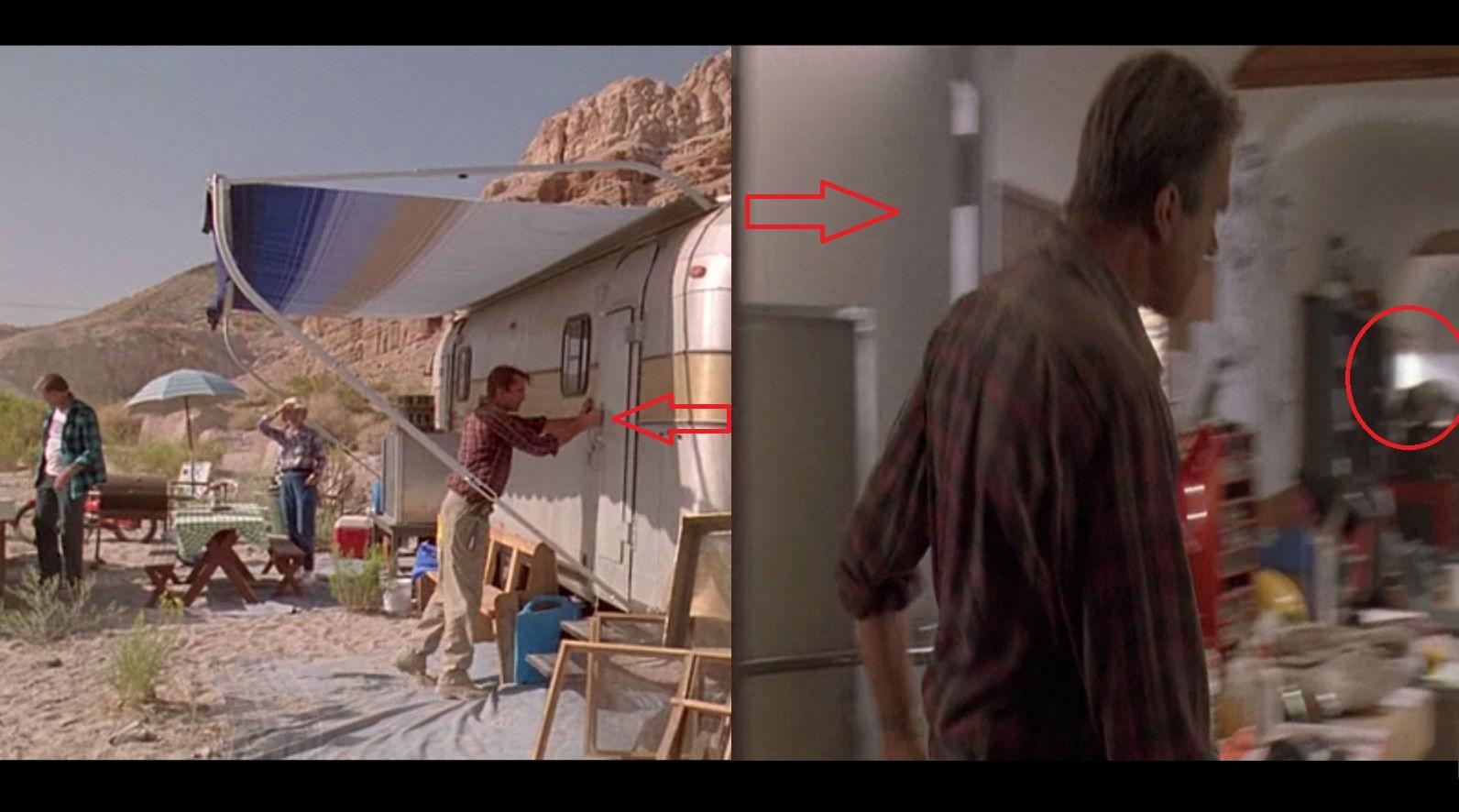Figyeld a zsanérokat a lakókocsi ajtaján, amikor Grant belép, Hammond érkezése után! Ez olyan ajtó, ami kívülről másfelé nyílik, mint belülről! Emellett a napfény sem stimmel, mintha belülről nem működne az árnyékoló ponyva. (Universal Pictures)