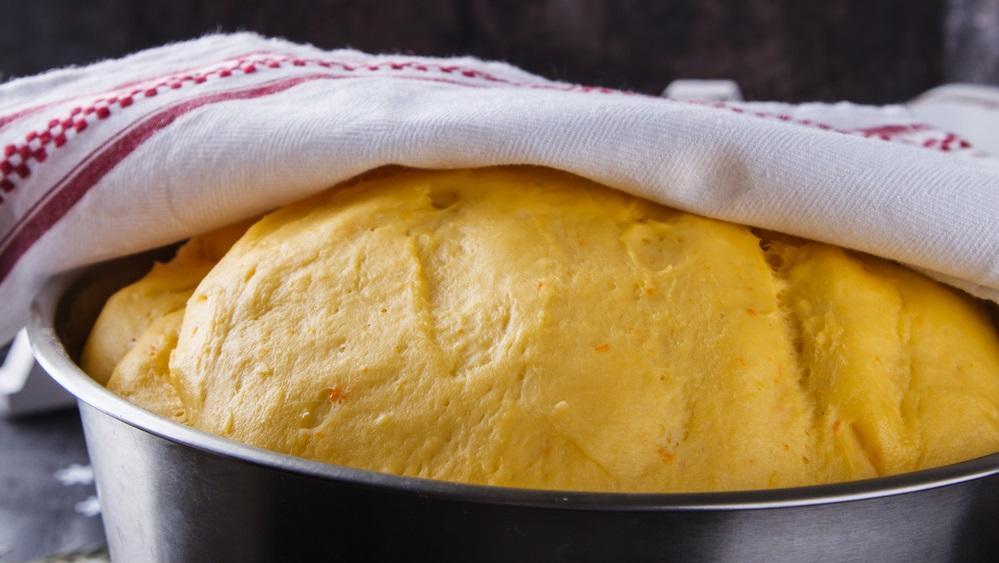 Gyorsabban megkel a tészta, ha fűtőtestre vagy a radiátor elé teszed. (Shutterstock)