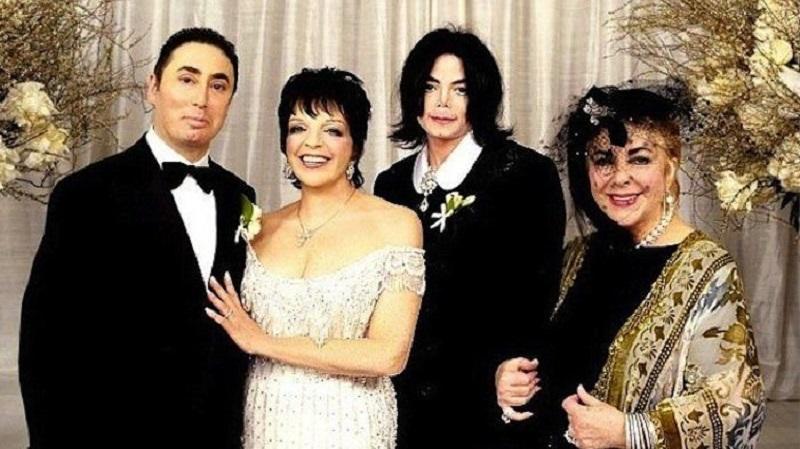 A Broadway sztárja és a zenei producer egybekelése minden idők egyik legnagyobb celeb esküvője volt.  Michael Jackson volt a násznagy, Elizabeth Taylor pedig a menyasszony tanúja. 60 fős zenekar gondoskodott a vendégek szórakozásáról, de fellépett Tony Bennett, Stevie Wonder és Natalie Cole is. Csak a virágokra 700,000 dollárt költöttek, a torta pedig 40,000 dollárba került. (Pinterest)