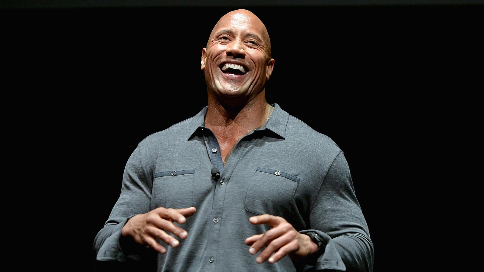 A Miami egyetemen sportösztöndíjjal tanult, és profi amerikaifutball-játékos akart lenni. Az NFL-be végül egy sérülés miatt nem jutott be, de nem omlott össze: fiziológiából és kriminológiából szerzett diplomát! (Credit: Getty Images)