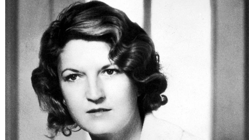 A híres író, F. Scott Fitzgerald felesége, Zelda nem engedte, hogy viharos házassága megakadályozza abban, hogy a jazz-korszak ikonikus figurájává váljon. Bubifrizurája álig  omló hullámai egyszerre jelentették a csillogást és a lázadást. Az első világháború idején praktikus okokból népszerűvé vált bubifrizura a női függetlenségi törekvések egyik védjegyévé lett a 20-as években.