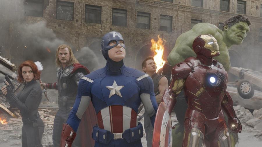 20 film és több, mint 7 milliárd dollár bevétel a mozipénzárakná. Ez az elmúlt 10 év mérlege a Marvelnél. Ezeket a számokat kergeti az összes hollywoodi studió a Bosszúállók és az MCU példátaln sikere óta. A végtelen pénzesőn túl a Marvel hősök több szinten új szemléletet hoztak a filmgyártásba, ezeket szedtük most össze, a Bosszúállók: Végtelen Háborút pedig június 7-én, vasárnap este 21:00-kor adjuk a VIASAT 3-on... (Disney /Marvel)