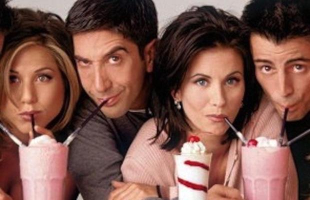 El tudjátok képzelni a Jóbarátokat a kissé bogaras Phoebe vagy Chandler nélkül? Nem? Pedig a sorozat eredetileg Csak Monicára, Ross-ra, Rachelre és Joey-ra koncentrált volna.