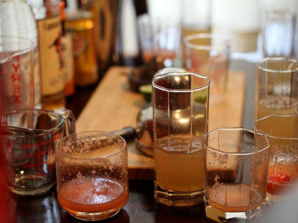 Bajan rum, Angostura keserű, lime dzsúz, szirup, víz - ez bizony kirobbanó kombináció!