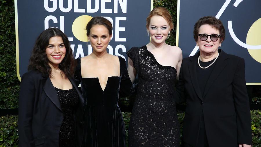 """A 2018-as Golden Globe-on Ron Howard rendező és Natalie Portman együtt prezentálták a legjobb rendezőnek járó díjat. Howard bevezetője után Portman rezzenéstelen arccal így konferálta fel a jelölteket: """"Következzenek kizárólag férfi jelöltjeink"""". Howard csak kínosan vigyorgott zavarában. (REX/ Shutterstock)"""