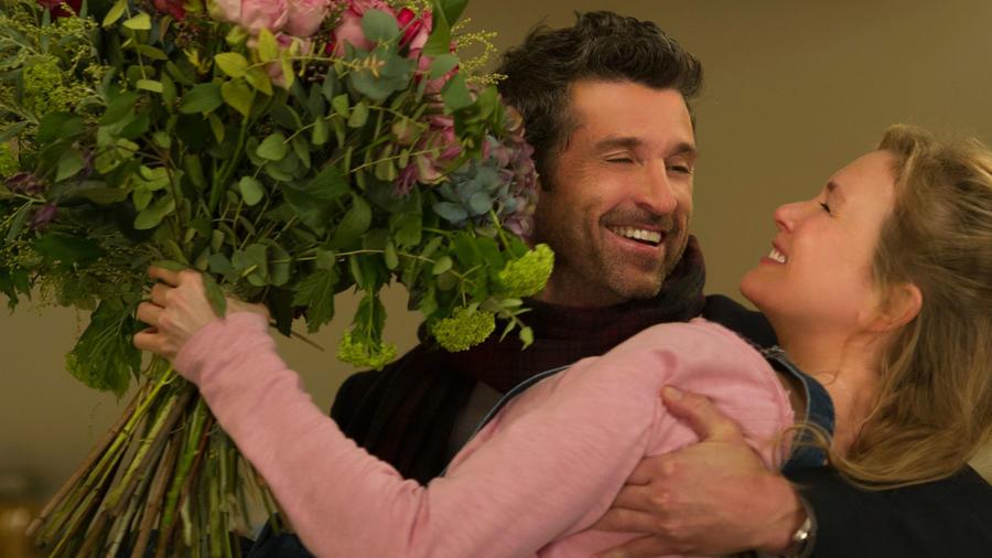 Bridget (Renee Zellweger) mindent olyan bájosan nyakatekerten csinál, és ez nincs másként a gyerekvállalással sem. Terhes lesz, mielőtt hivatalosan randizna Jack-kel (Patrick Dempsey). Az elszántság, ahogyan komolyan veszi a hagyományos udvarlást - virágokkal és étellel - annyira elbűvölő, hogy már majdnem jobban megkedveltük, mint Mark Darcy-t. (Miramax)