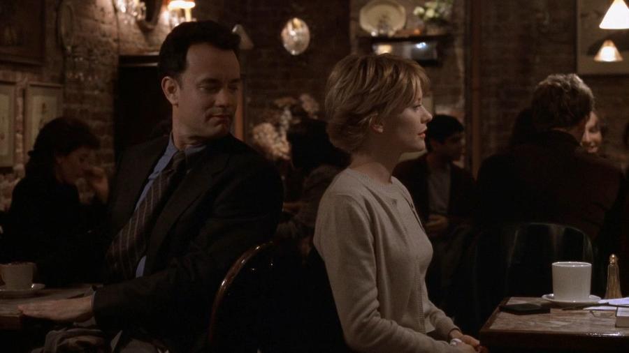 Tom Hanks és Meg Ryan egy kis régimódi Hollywoodi csillogást hoznak egy modern témába az emlékezetes kávéházi jelenettel. (Warner Bros.)