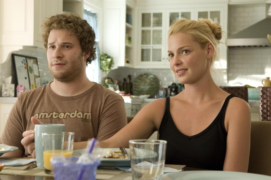A film egyik legjobb jelenete, amikor Alison (Katherine Heigl) elmondja Bennek (Seth Rogen), hogy babát vár. Fantasztikus alakítás, amit nehéz elmagyarázni, inkább nézd meg. (Universal Pictures)