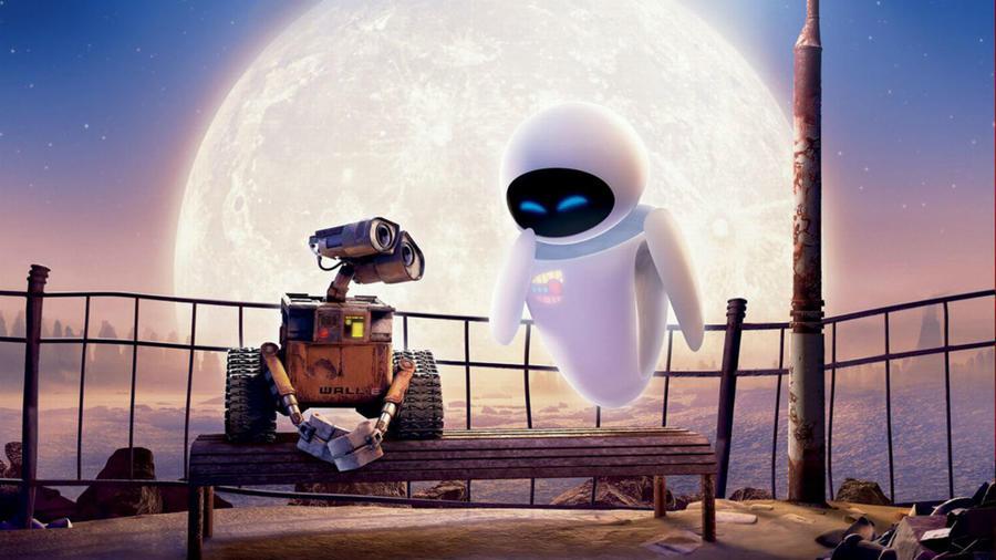 A robot randik legalább annyira elbűvölők, mint az emberiek. WALL-E lánctalpas szeméttömörítő robot az egyetlen élő szerkezet a Földön, ahonnan az emberiség elmenekült. Aztán megismeri EVA-t, a keresőrobotot, aki megdobogtatja a szívét. WALL-E hajókázni viszi szerelmét, együtt nézik a naplementét, és megvédi őt mindentől. (Walt Disney Studios )