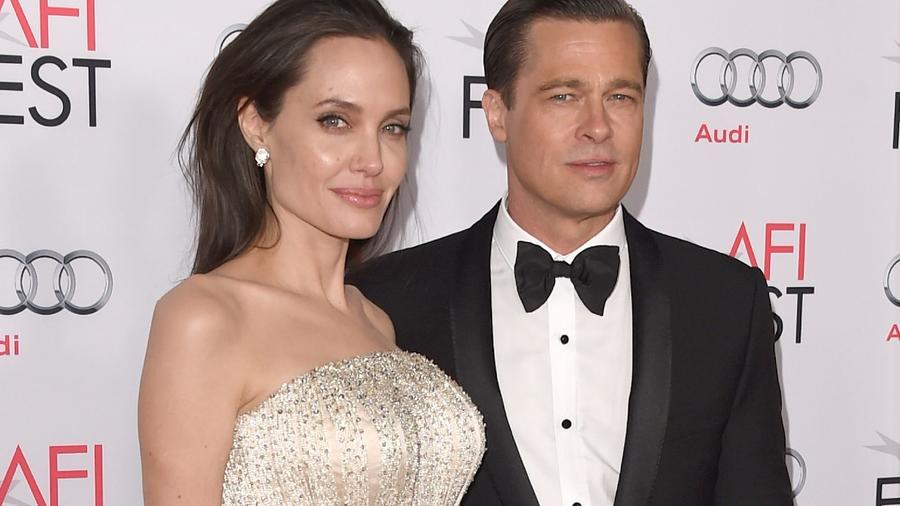 ...Brad Pitt mellett. Pittnek ez (volt) a második házassága, hiszen... (Getty Images)