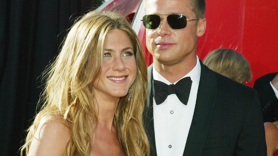 ...az első felesége Jennifer Aniston volt. Válásuk után Jen újra randizni kezdett, és járt többek között... (Getty Images)