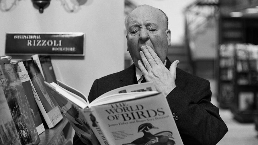 A lista legmeglepőbb eleme: a régen is és ma is az egyik legnagyobb, legbefolyásosabb rendezőnek tartott Hitchcock sosem kapta meg az Akadémiai Bizottság elismerését példátlan munkájáért. Sajnos neki már nincs is esélye rá.