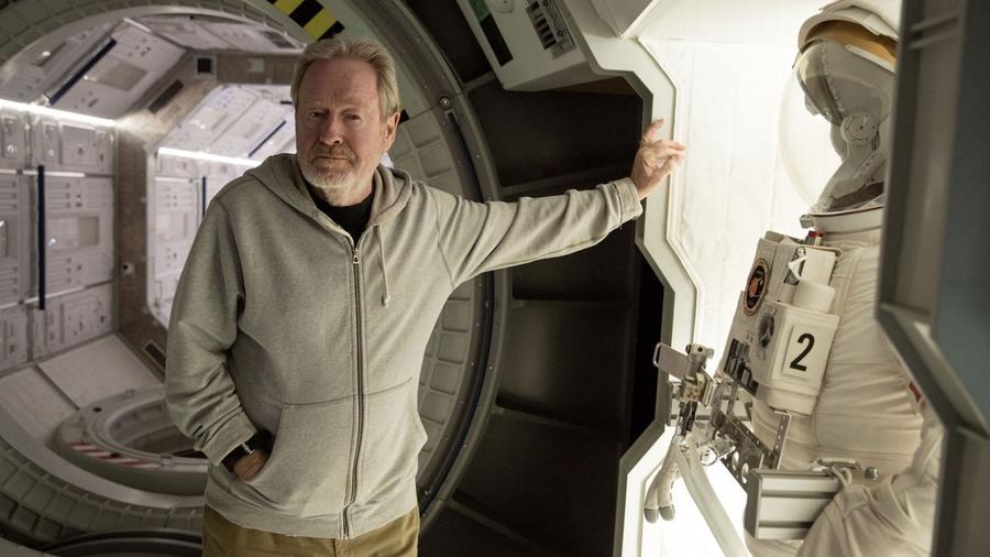 Ridley Scott neve szinte egybeforrt a minőségi, kultikus science-fictionnel (Mentőexpedíció, Szárnyas fejvadász, A nyolcadik utas: a Halál), de neki köszönhetjük a Gladiátort, a Thelma és Louise-t vagy épp A Sólyom végveszélybent is. Hol az az Oscar?