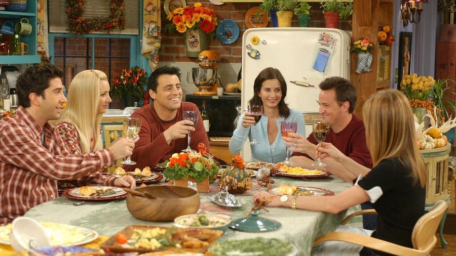 Emlékszel arra, amikor Monica és Chandler bezárkóznak hálaadáskor a 10. évadban, Rachelnek pedig sikerül a régi kulcsával kinyitnia az ajtót? Ez nem történhetne meg. Hogy miért?