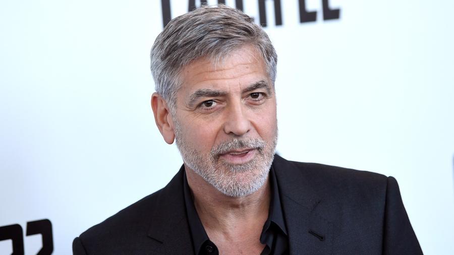 Clooney amellett, hogy továbbra is töretlenül népszerű sztár, úgy ugrott a lista élére, hogy 700 millióért eladta a tequila cégét, amiből közel negyemilliárd dollár ütötte a markát. (REX/ Shutterstock)