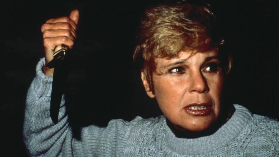 Újabb szpojler, szóval csak óvatosan! Az első Péntek-filmben még nagyon nem Jason volt a gyilkos – csak a drága mamája gátlástalan bosszúvágyának közönhetően vált azzá. (Warner Bros.)
