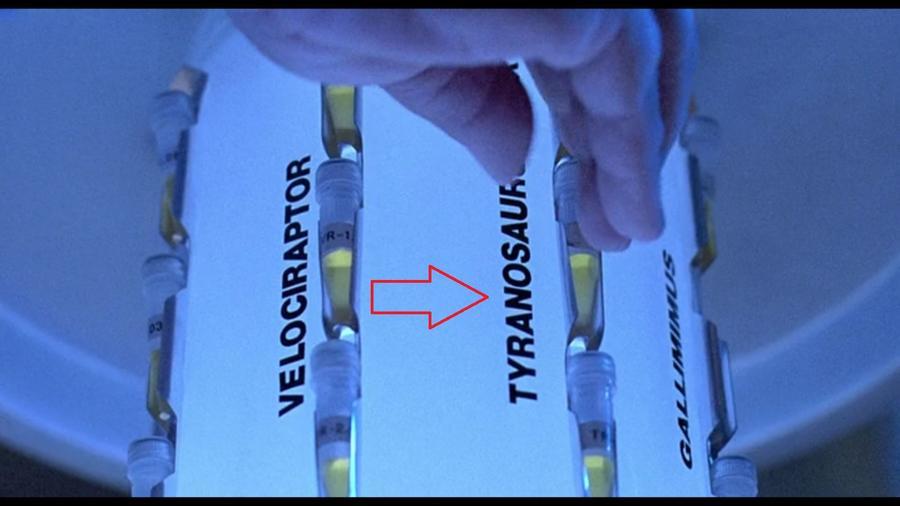 """Amikor Nedry ellopja az embriókat hiányzik egy """"n"""" betű a """"Tyranosaurus""""-ból!  (Universal Pictures)"""
