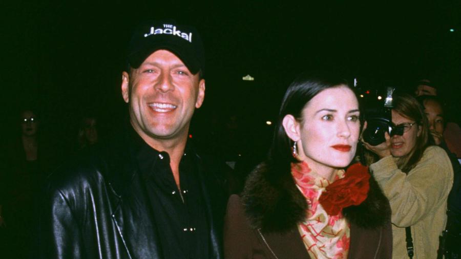 Bruce és Demi még 1987 novemberében kelt egybe, és egymás iránt érzett olthatatlan rajongásuk sok közös képükön is átjött. A lelkesedés azonban végül 13 évig tartott, amikor elváltak. (CROLLALANZA/Shutterstock)