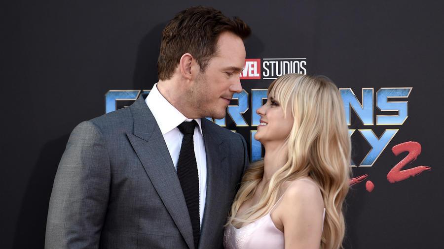 Chris és Anna a szórakoztatóipar egyik legtökéletesebb párjának tűntek. Még a 2011-es Szédületes éjszaka című film forgatásán ismerkedtek meg, két évvel később fogadtak örök hűséget egymásnak. Házasságuk elpusztíthatatlannak látszott, ám Pratt 2017. december 1-én válókeresetet nyújtott be, így a páros rajongói számára meghiúsult kettejük örök szerelmébe vetett hite. (Richard Shotwell/Shutterstock)