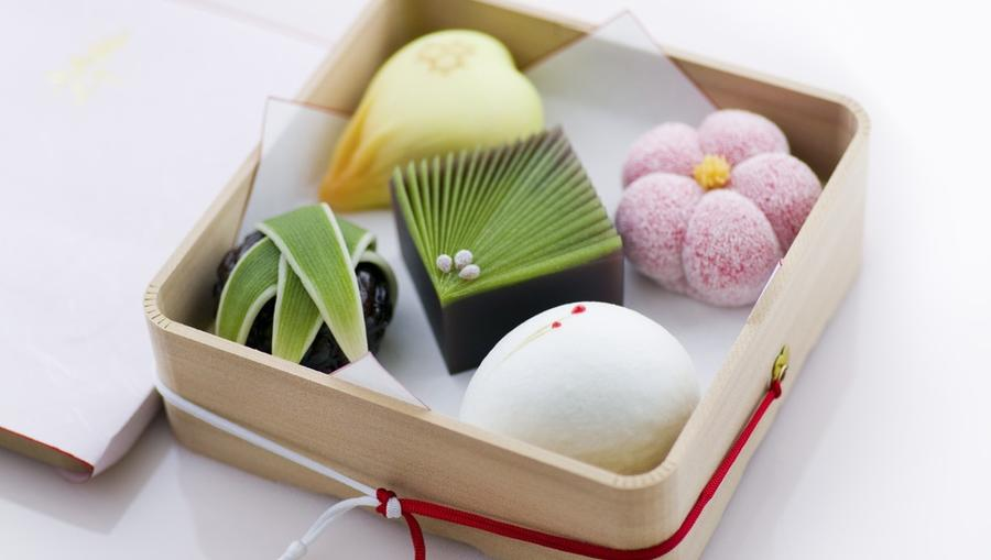 Szereted a különleges édességeket? Akkor a VIASAT3-on futó cukrászverseny, az Ide süss! a te műsorod. Hogy két adás között se unatkozz, összegyűjtöttük neked Japán legkülönlegesebb desszertjeit. Ezek között biztos találsz olyat, ahol nem hiszel a szemednek! (Shutterstock)