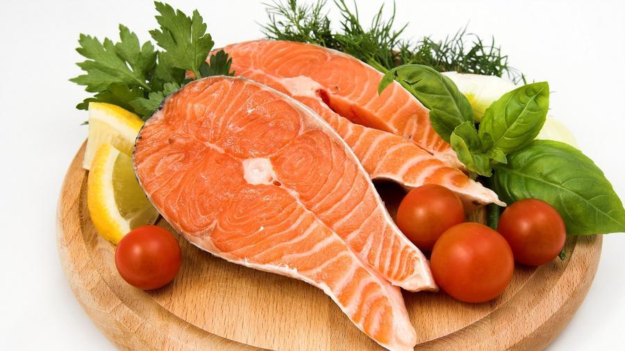 A halak húsa tele van omega 3 zsírsavakkal, többek között DHA-val is, amely nagyon fontos ahhoz, hogy az idegsejtek megfelelően működjenek. (hdwyn.com)