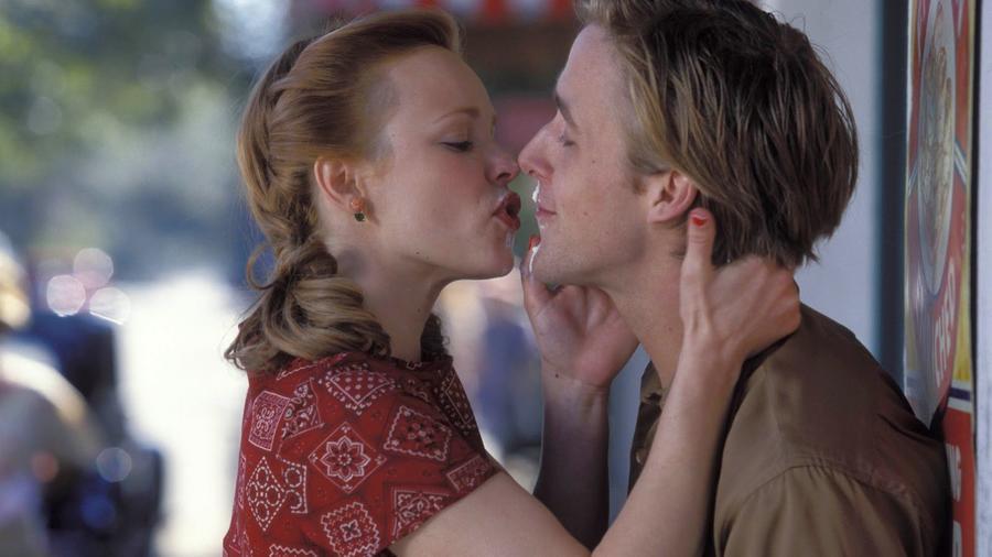...miközben te épp valaki mással hetyegsz - hát nem! Ha valakit szeretsz, inkább maradj vele, vagy viseld a következményeket. (New Line Cinema)